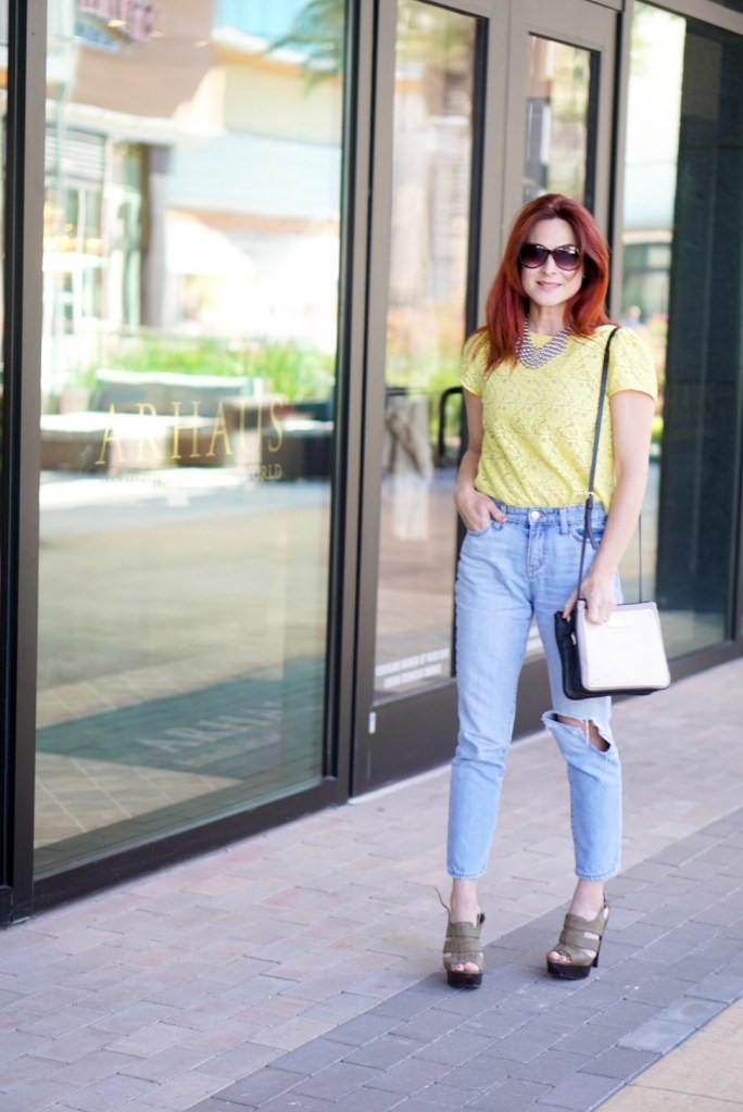 SPRING INSPIRED OUTFIT, LACE TOP, NINE WEST BAG, OVERSIZED SUNNIES