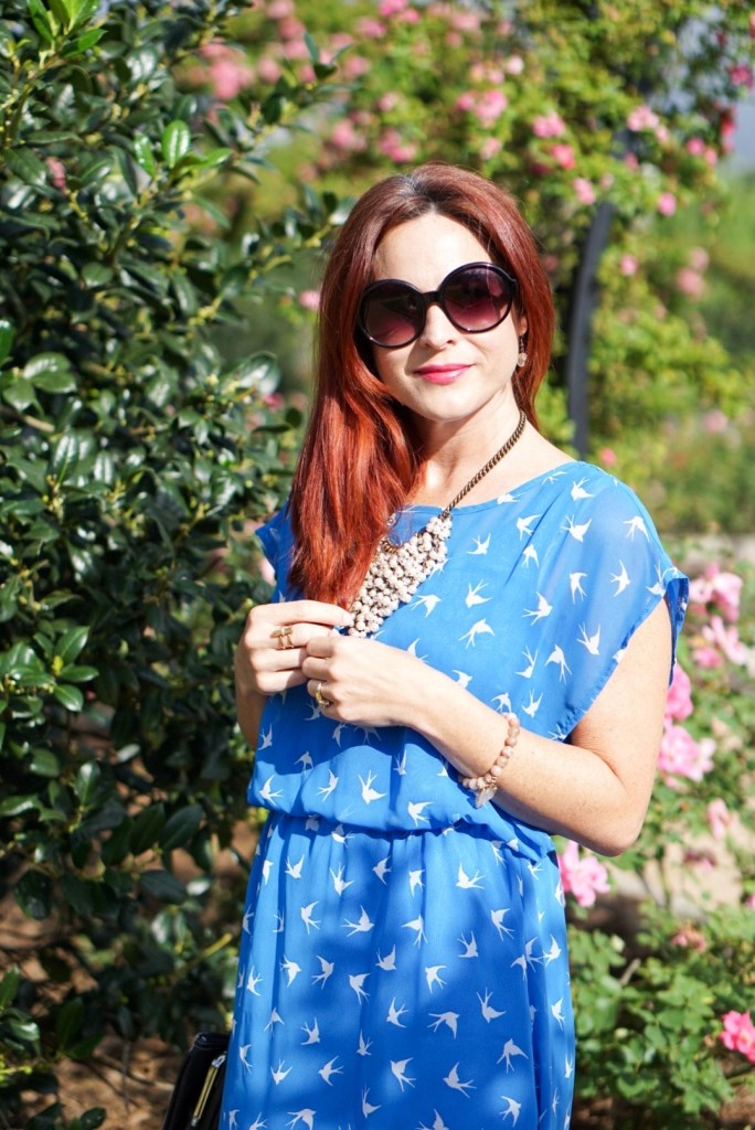 BLUE DRESS, BIRD PRINT DRESS, PEARLY JEWELRY, BURDLIFE BRACELET, RED HAIR
