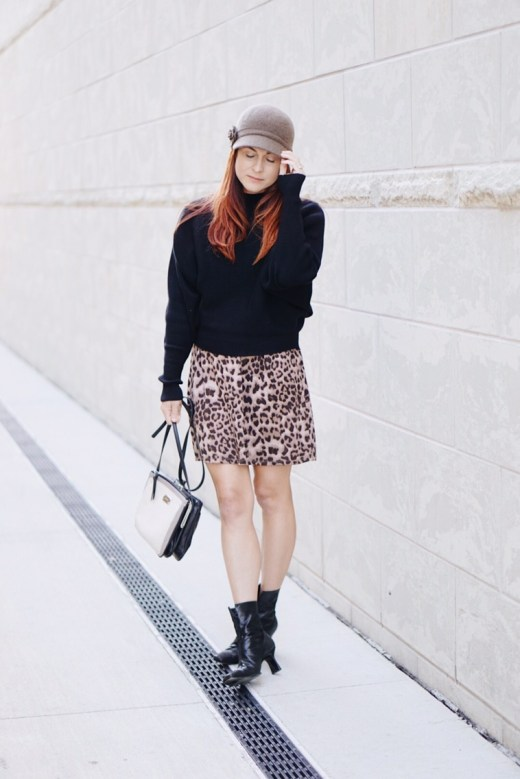 leopard print, styling with hats, fiddler hat, black booties, neutral bag