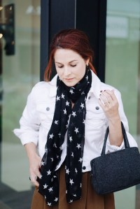 scarf with stars, wool bag, white denim, red hair inspiration, star print