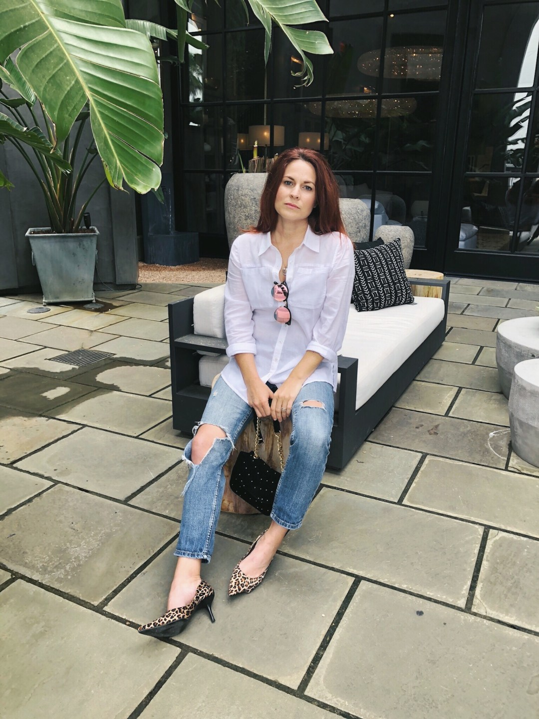 style basics, white button down shirt, distressed jeans, leopard heels, casual style