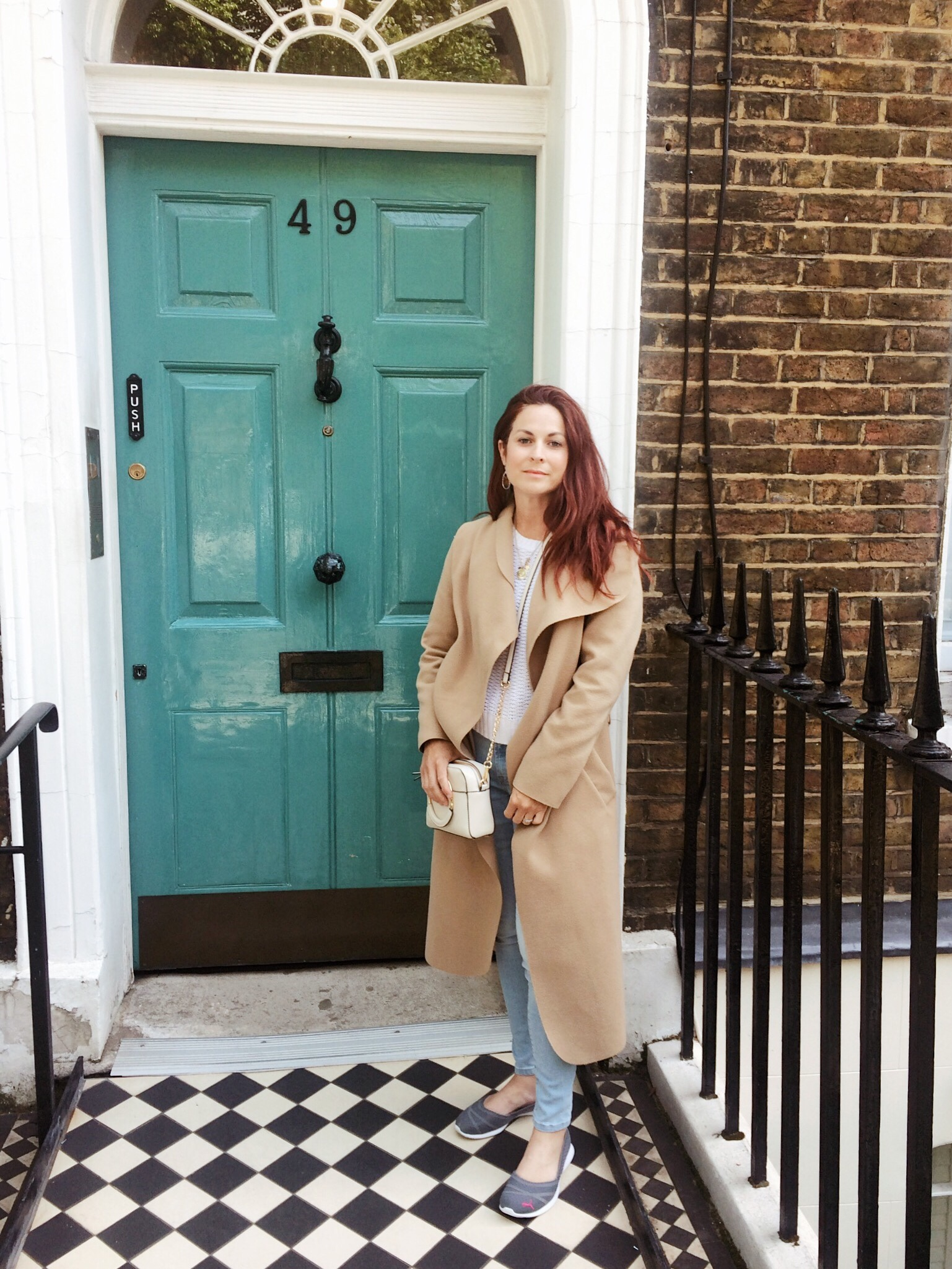 Charles Dickens museum, museums to visit, things to do in London, teal doors, front doors