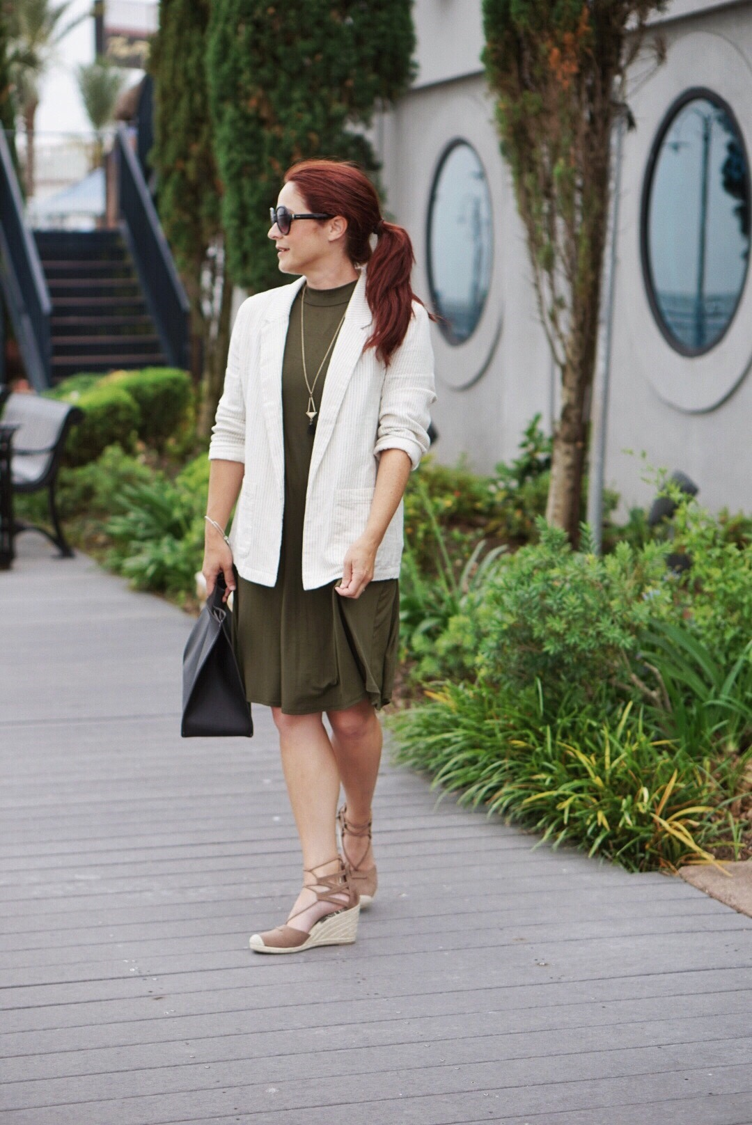 casual business fashion inspo, how to transition summer to fall outfits,