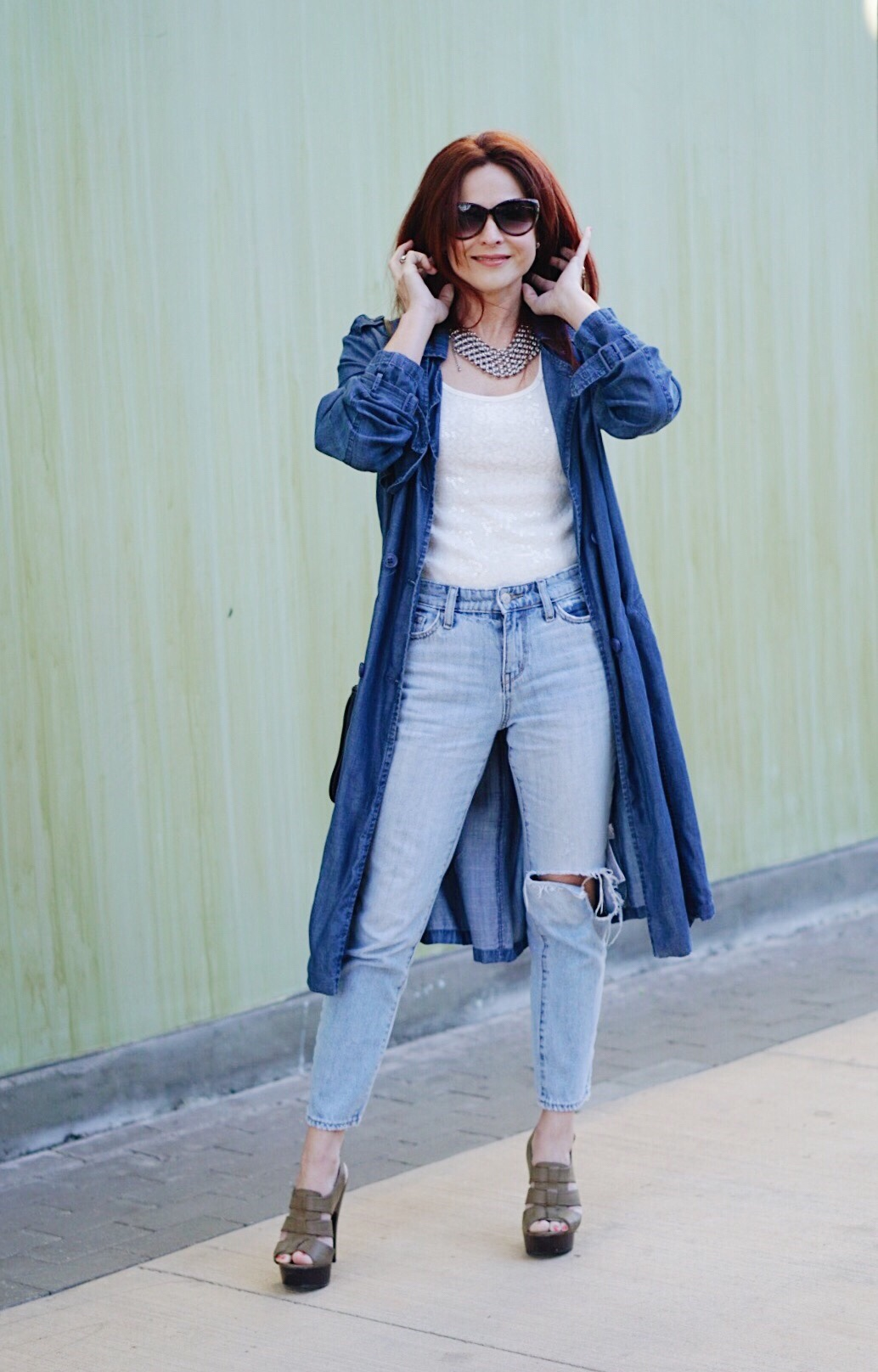 denim on denim, trench coat outfits, denim trench coats, how to style denims together