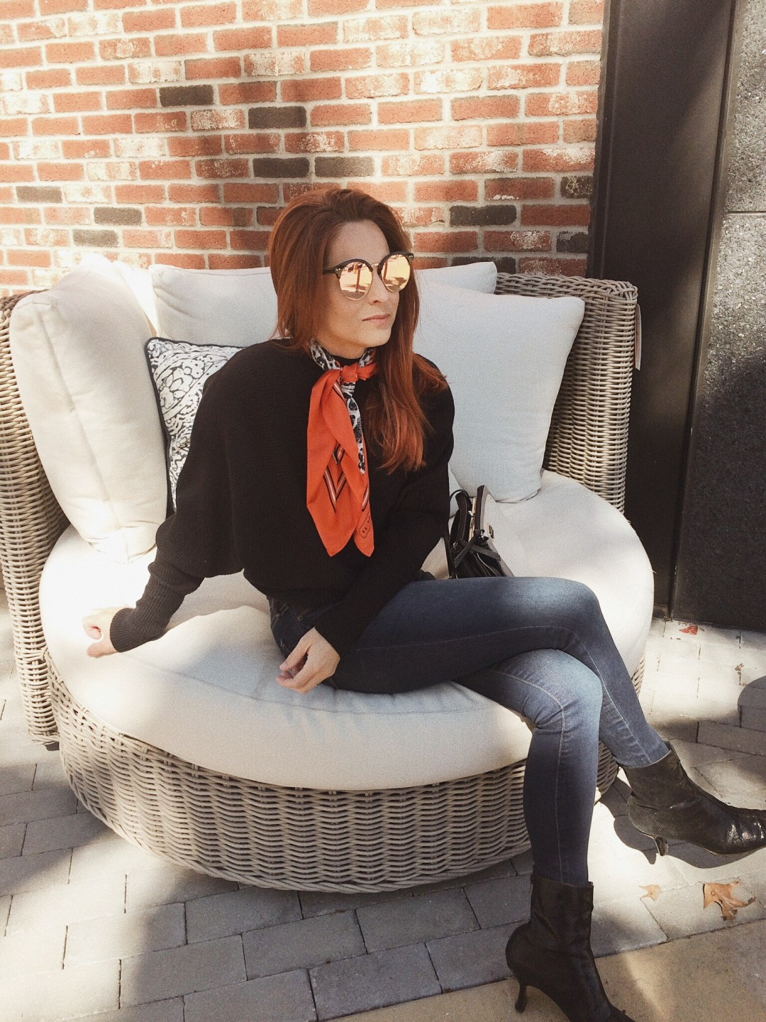 skinny jeans and sweater outfits, black booties, outfits with silk scarves, leopard scarf, how to wear a silk scarf
