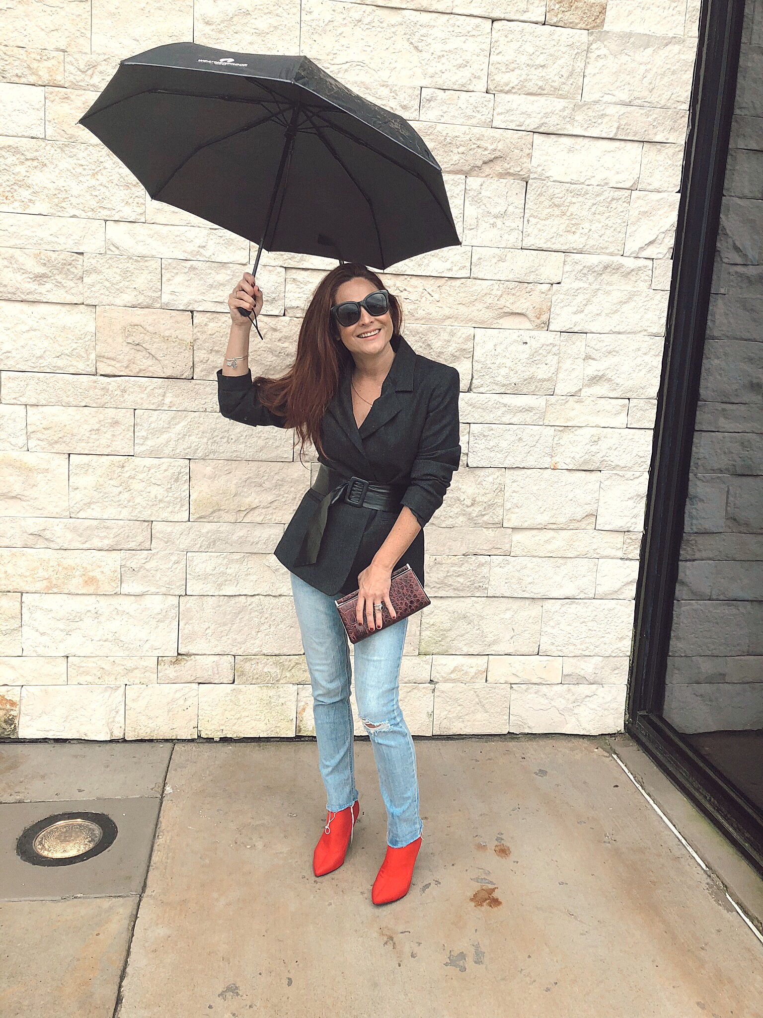 how to style a belt over a jacket, red boot outfits, maroon clutches