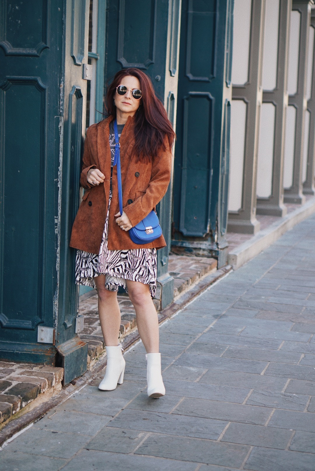 animal print skirt outfit inspiration, corduroy jackets, fall fashion ideas, cobalt blue crossbody outfits