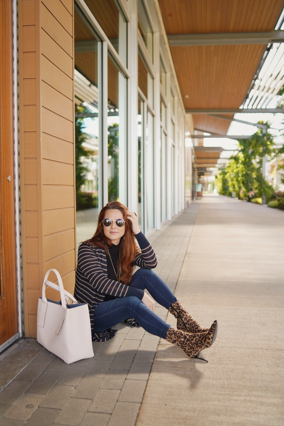 outfit inspiration with leopard print, dsw footwear, large handbags, outfits with stripes