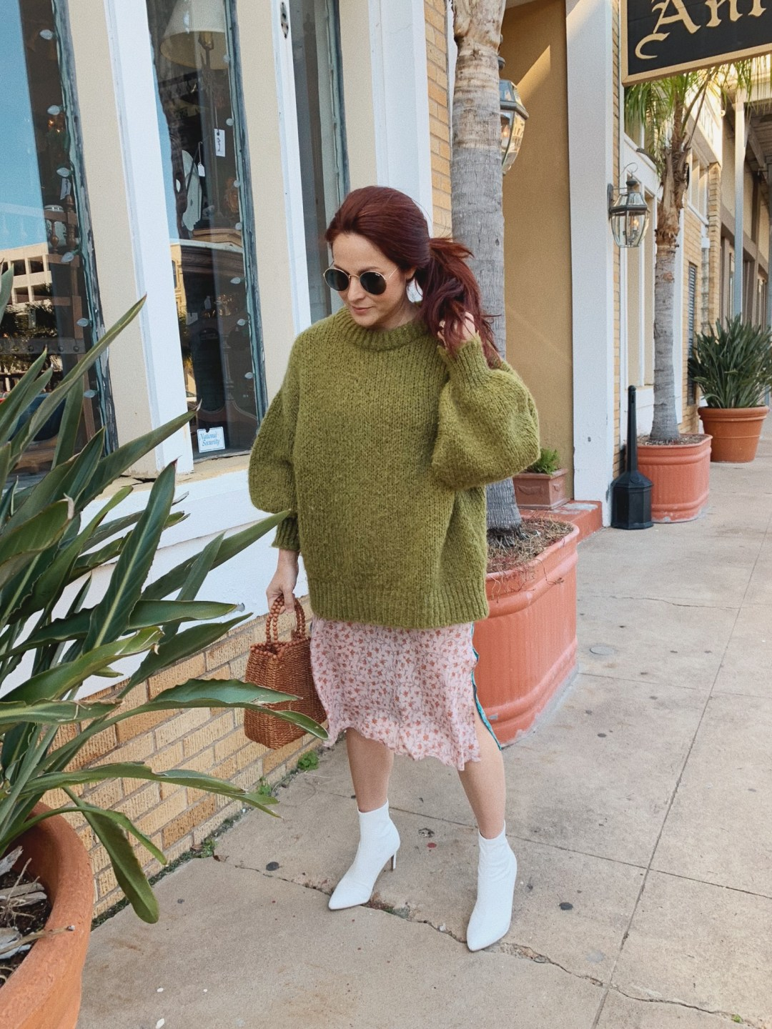 comfortable spring outfit ideas, oversized sweater outfits