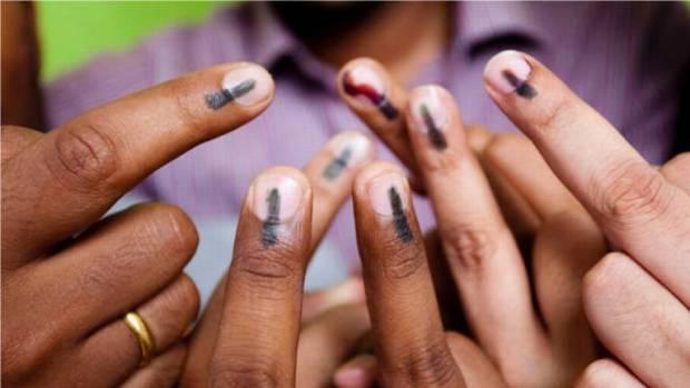 vote ink finger