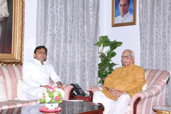 Akhilesh met the Governor, in the case of journalist Jagendra discussion