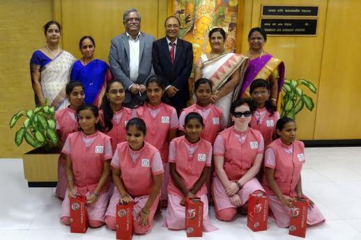 Bank of Maharashtra has rewarded the blind girl