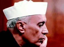 नेहरू के दादा को लिखा मुस्लिम,घिरी सरकार