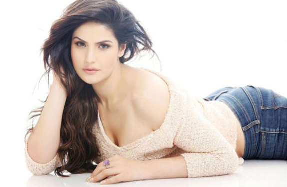 zarine-khan-hot