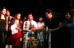 मुंबई ग्लोबल अवार्ड फंक्शन में पहुंचे बॉलीवुड सितारे