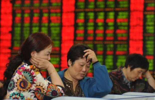 chinese-stock-market-suspended-for-a-day-after-fall-of-7-percent