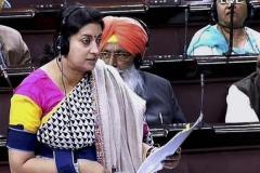 संसद में हंगामा, स्मृति पर मां दुर्गा का अपमान करने का आरोप