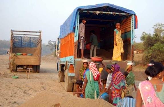 Illegal Sand Mining Mafia news at teznews.com