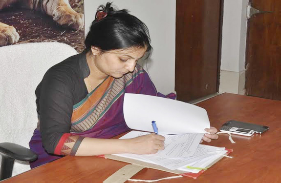 Mandla district collector Preeti Maithil