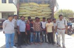 लाखों की इफको खाद से लदा चोरी गया ट्रक बरामद, 8 अरेस्ट