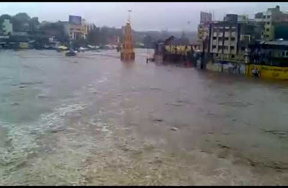 Nashik Godavari river overflows, water level up in Gangapur dam