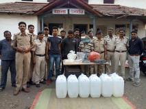 पुलिस ने पकड़ी चलित शराब फैक्ट्री, 5 गिरफ्तार