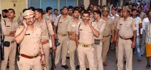 अलीगढ में सांप्रदायिक तनाव, पुलिस ने छोड़े आँसू गैस के गोले