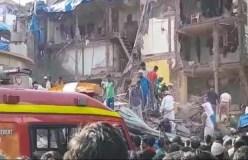 इमारत ढहने से 6 लोगों की मौत, 30 लोग मलबे में दबे