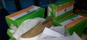 शर्मनाक हरकत: तिरंगे में लपेट कर भारत जूते भेज रहा चीन