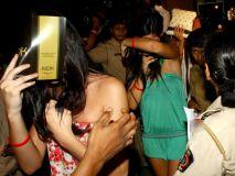 नोएडा रेव पार्टी : नशे में धुत 161 लड़के और 31 लड़कियां गिरफ्तार