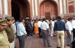 यूपी सीएम ने किया ताज महल का दीदार