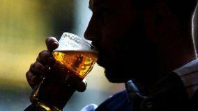 जानिए शराब पीने के बाद कैसे अंग्रेजी बोलने लगते हैं लोग?