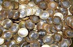 तीर्थ नगरी ओंकारेश्वर में दुकानदार नहीं ले रहे सिक्के
