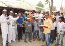 अमेठी में कांग्रेसीयों ने मिठाई बांट मनाया प्रियंका गांधी का जन्मदिन