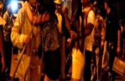 बेंगलुरु: लड़की के कपड़े उतार रही थी भीड़
