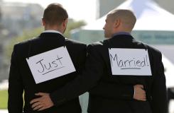 सुप्रीम कोर्ट फिर से करेगा विचार, समलैंगिकता अपराध है या नहीं?