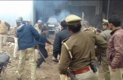 कासगंज : फिर हुई आगजनी और हिंसा, उपद्रवियों को हिरासत में लिया