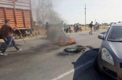 MP: पद्मावत का विरोध हुआ उग्र, आगजनी और चक्काजाम