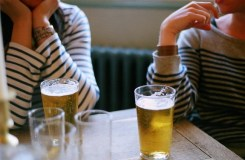 'बियर पीने वाली लड़कियां' इस तरह भिड़ीं सीएम पर्रिकर से