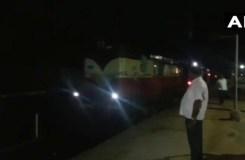 इंजन के बिना दौड़ती रही पुरी एक्सप्रेस, रेलवे में हड़कंप