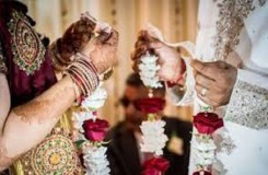 शादी के लिए करवाया सेक्स चेंज, अब पत्नी मांग रही