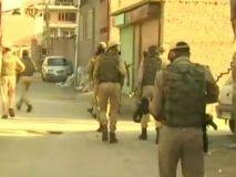 कश्मीर: अखबार, टीवी चैनल पाबंदियों के शिकार, जुबान ज्यादा कीमती है या जान ?