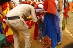 अमित शाह की रैली : महिलाओं और युवतियों के अंडरगारमेंट चेक किए गए