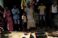 लूटपाट का नया ट्रेंड:  मोदी-मोदी का नारा लगा कर लूट लिया घर,  पिटाई भी की