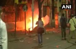 अमित शाह के रोड शो में आगजनी और पत्थरबाजी, भाजपा-TMC कार्यकर्ता भिड़े