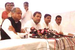 अलवर में गैंगरेप पीड़िता से मिले राहुल गांधी, बोले- होगा न्याय