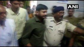 बिहार : चमकी बुखार के पीड़ितों से मिलने पहुंचे कन्हैया कुमार, सुरक्षाकर्मियों ने गेट पर रोका