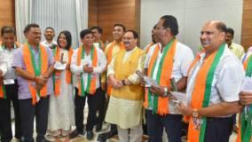 गोवा : कांग्रेस छोड़ भाजपा में आए 3 विधायकों समेत 4 ने ली मंत्री पद की शपथ