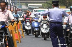 गुजरात सरकार ने कम किया ट्रैफिक जुर्माना, गडकरी बोले – ऐसा नहीं कर सकते