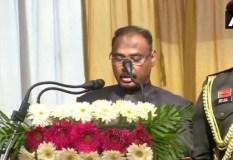 गिरीश चंद्र मुर्मू ने ली कश्मीर के उपराज्यपाल पद की शपथ, आरके माथुर बने लद्दाख के एलजी